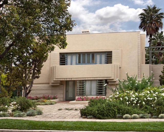 Lloyd Wright's Hollywood Concrete Home!
