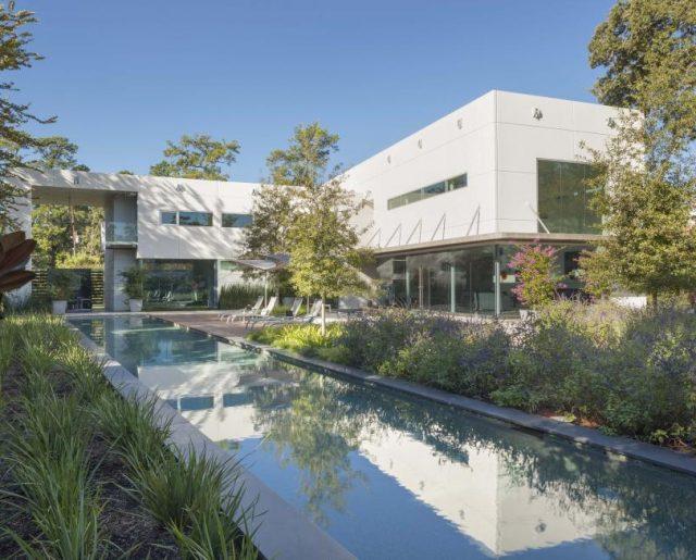 Houston's Modern Homes!