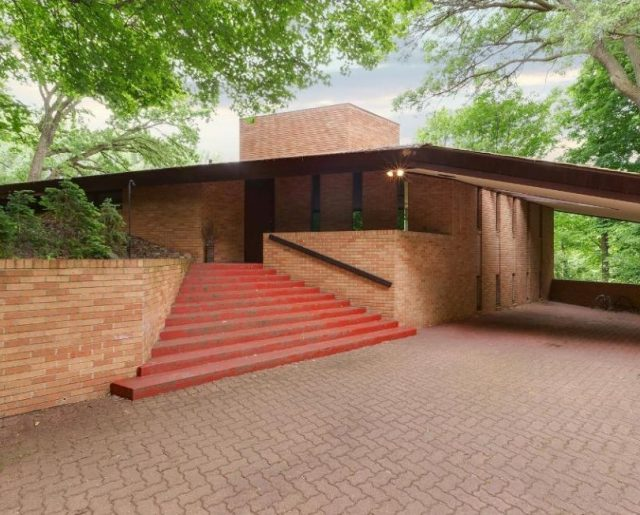Frank Lloyd Wright's Minnesota Home!