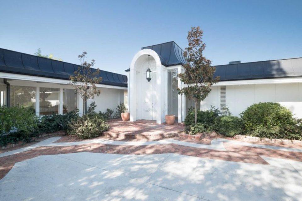 Elvis Presley's Beverly Hills Home!