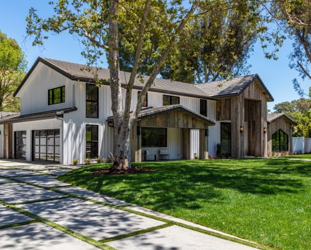 New E! Star Scott Disick's House Hits Market!