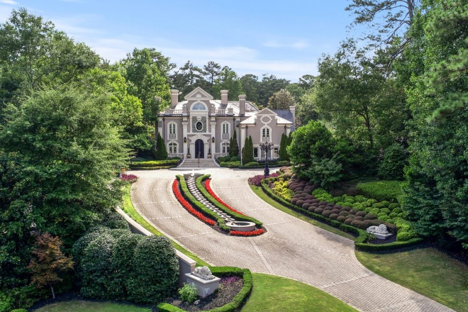 Kenny Rogers Sings Songs & Sells Mansions!
