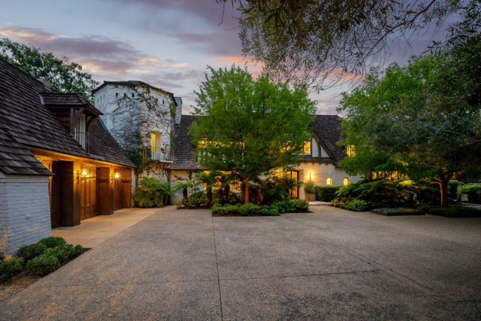 Brad & Jen's Newlywed Mansion For Sale!