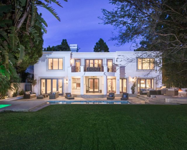 Hereeeees Ed McMahon's Gorgeous Beverly Hills Home!