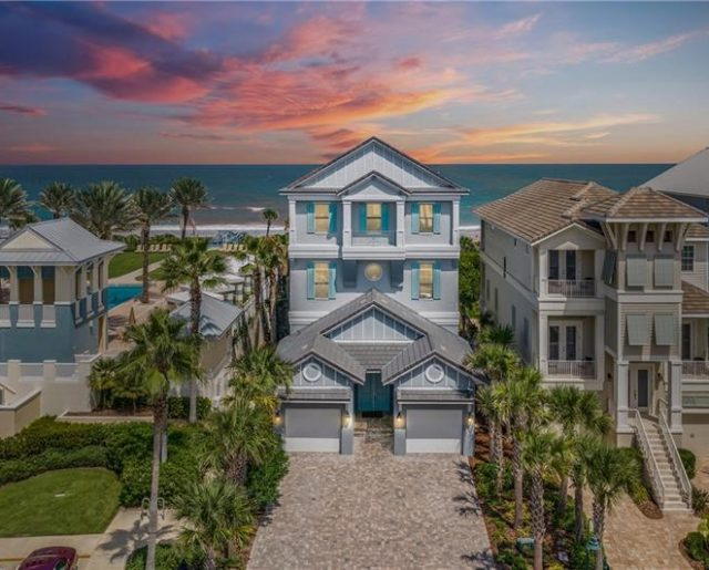 Large Oceanfront Homes – Save up to 70%!