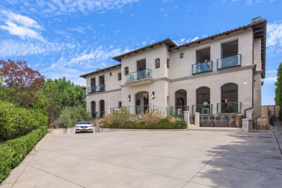 Kathy Griffin's A-List Bel Air Estate!