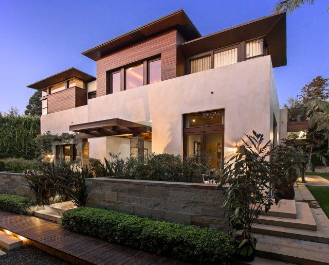 Matt Damon Cuts Pacific Palisades Home Price $3 Million!