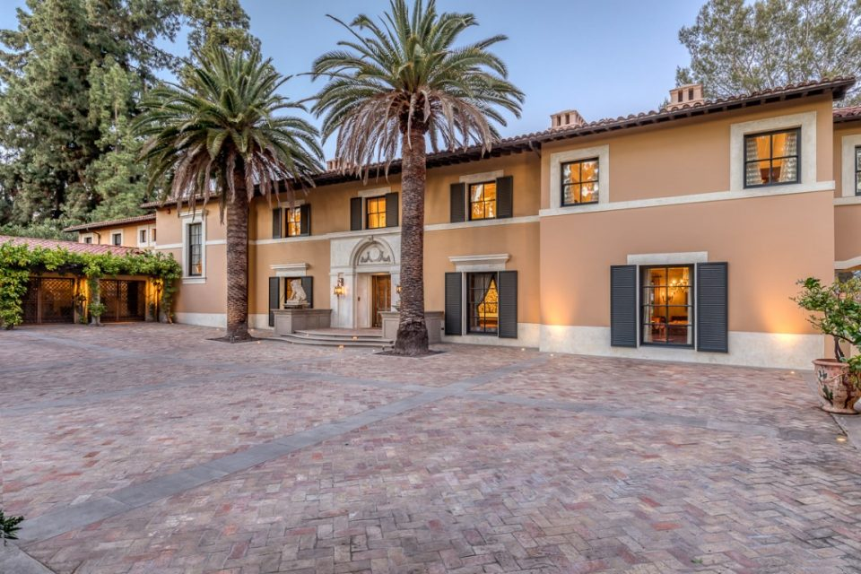 'Real Housewives' Erika Jayne Selling Her Pasadena Mansion!