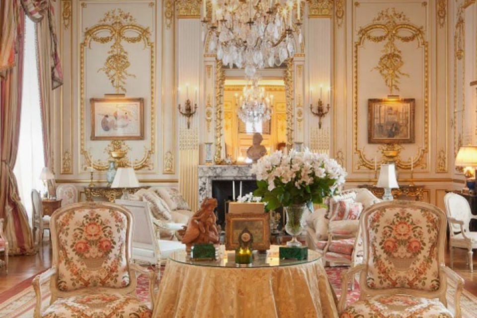 111012-hot-property-joan-rivers-luxury-although-haunted-penthouse-is-up-for-sale-for-38-million
