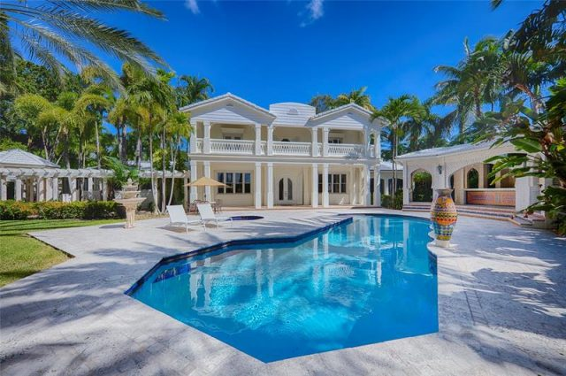 Diddy Expands His Star Island Compound!