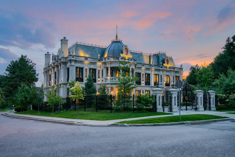 As Seen In Schitt's Creek – La Belle Maison Mansion For Sale!