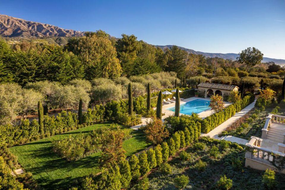 Bellevue Pool Garden_Jim Bartsch