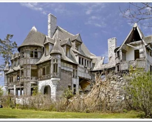 Haunted Halloween Homes For Sale!